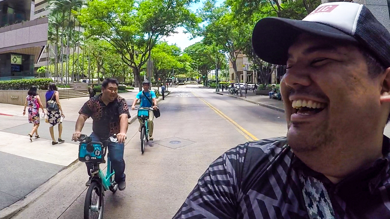 Riding down Hotel Street, we saw a few other friendly Biki riders.