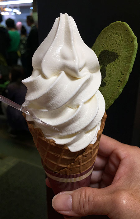 This milk soft serve was the most popular of the featured flavors, and it also includes a matcha cracker with Snoopy's silhouette. Other soft serve flavors included carrot and banana.