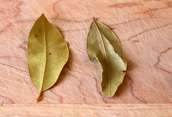 2 bay leaves