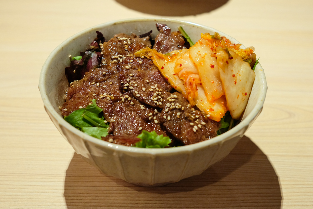 Sizzle's Yakiniku donburi is topped with a decent amount of tender marinated wagyu beef.